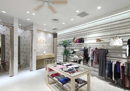 فروشگاه لباس CHEEK   خدمات ارائه شده:طراحی داخلی