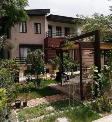 ویلایی در مهرشهر <br> خدمات ارائه شده : طراحی و اجرا